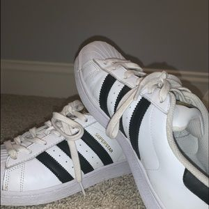 women's size 7.5 adidas superstars white
